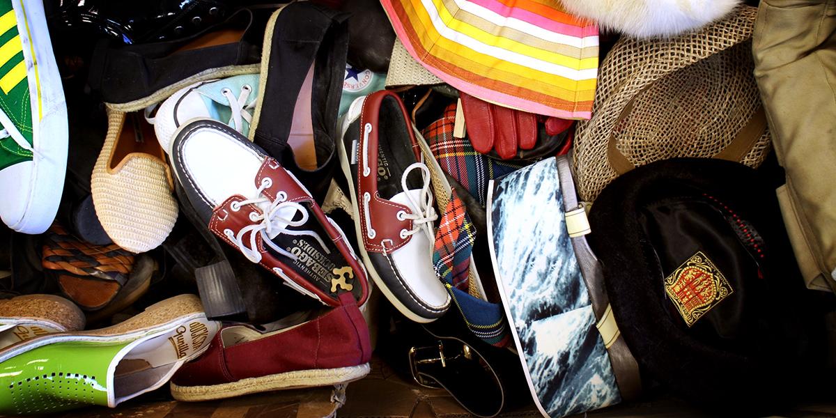 Skänk kläder och inredningsprylar i alla Åhlénsvaruhus
